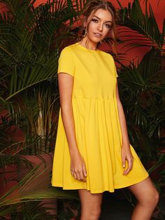 To find out about the Short Sleeve Solid Smock Dress at SHEIN, part of our latest Dresses ready to shop online today! Smock Dress, Dress P, Bright Dress, Latest Dress, Club Dresses, Types Of Sleeves, Smocking, Fashion News, Blouse