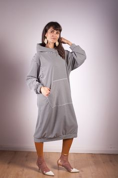 striped hoodie oversized, knee lengh FB and insta : #arcstudio #arcstudiobyclaudianemes Out Of The Closet, Hoodies, Studio, Fashion, Moda, Sweatshirts, Fashion Styles, Parka, Studios