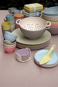 Raw Earth Collection / tableware / biobased bamboo fiber #zuperzozial #RawEarth
