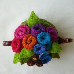 Garden Party Tea Cozy Pattern  knitting, flowers, teapot, tea pot