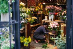 woman with flowers Leica M, Restaurants, Shops, Woman, Flowers, Plants, Tents, Restaurant, Retail