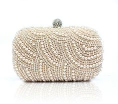 #Cream #Pearl #Fashion #Trend #Inspiration #Delicate #Romantic #CLutch