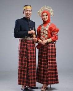 Folk Costume, Costumes, Batik Dress, Kebaya, Traditional Dresses, Dress Skirt, Sketch, Asian, Culture