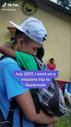 Funny Tik Toks Discover ριntєrєѕt: That is so sweet! I hope I can go a missions trip with my church sometime! Sad Love Stories, Happy Stories, Touching Stories, Sweet Stories, Cute Stories, Funny Short Videos, Funny Video Memes, Funny Relatable Memes, Stupid Funny
