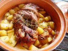 Αρνάκι με πατάτες στο πήλινο | Roulas Mera