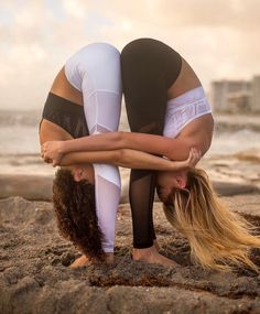 Exercises are like prose, whereas yoga is the poetry of movements. Once you understand the grammar of yoga; Poses Gimnásticas, Couples Yoga Poses, Acro Yoga Poses, Partner Yoga Poses, Two Person Yoga Poses, Yoga Poses For Two, Couple Yoga, Figure Yoga, Yoga Inspiration
