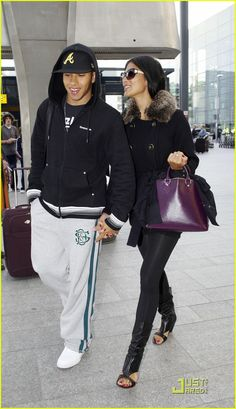 nicole scherzinger lewis hamilton are set to jet 05 Nicole Scherzinger and Lewis Hamilton hold hands as they fly out of Heathrow Airport to Bahrain on Sunday (October 25).    The 31-year-old Pussycat Doll will be…