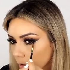 Atemberaubende Make-up-Tutorials! - Makeup - Make Up Makeup Kit, Love Makeup, Beauty Makeup, Hair Makeup, Hair Beauty, White Makeup, Pretty Makeup Looks, Awesome Makeup, Eyeliner Makeup