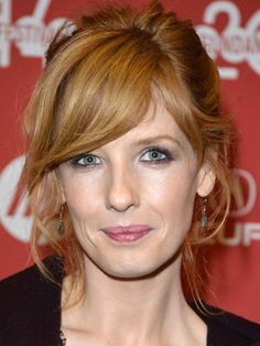Kelly Reilly long face bangs