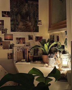 Room Ideas Bedroom, Bedroom Inspo, Bedroom Decor, Punk Bedroom, Grunge Bedroom, Study Room Decor, Indie Room, Pretty Room, Room Goals