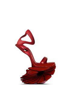 SAFA SAHIN Creative Shoes, Unique Shoes, Red Shoes, Me Too Shoes, Shoes Heels, Designer High Heels, Designer Shoes, Crazy Heels, Funny Shoes