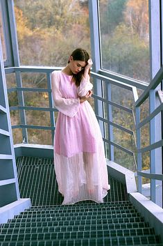 VivienMihalish / Hodvábne ružovkasté šaty s bodkami Dresses With Sleeves, My Style, Long Sleeve, Clothes, Fashion, Outfits, Moda, Clothing, Sleeve Dresses