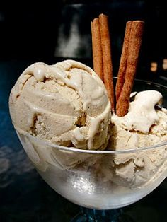 aaahhhh cinnamon ice cream my faaavvv <3