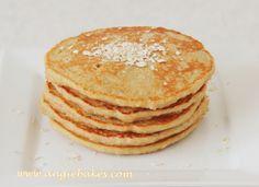 Už som vyskúšala veľa verzií na zdravé lievance, ale pri všetkých mi vadila tá chuť (alebo radšej nechuť). A tak vznikli tieto lievance, ktoré sú zdravé a pritom chutia úplne ako klasické lievance.… Griddle Cakes, Pancakes, Food And Drink, Yummy Food, Sweets, Healthy Recipes, Healthy Food, Homemade, Snacks