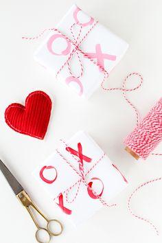 Simple DIY xoxo gift wrap