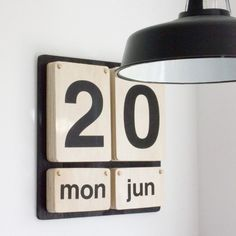 Wooden Home Accessories DIY Ideas - Vintage Free Standing Perpetual Calendar. home accessories quirky
