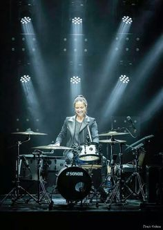 Emmanuelle in France 2014 Girl Drummer, Female Drummer, Jeane Manson, Canadian People, How To Play Drums, Drum Kits, Out Of This World, Anime Art Girl, Music Artists