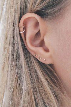 Piercing Ideas: Helix Piercings Tragus Piercings, Tragus Piercing Jewelry, Pretty Ear Piercings, Ear Peircings, Piercing Tattoo, Cartilage Hoop, Piercings For Small Ears, Ear Piercing Studs, Types Of Ear Piercings