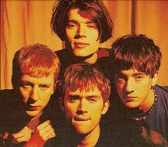 Ok but Graham is definitely the sexiest nerd on this planet Blur Band, Charlie Brown Jr, Malcolm Young, Going Blind, Angus Young, Damon Albarn, Jamie Hewlett, Liam Gallagher, Britpop