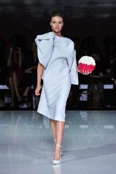 All the runway looks from Toni Maticevski: Sydney Australian Fashion Shows Spring/Summer Patrick Demarchelier, Runway Fashion, High Fashion, Fashion Show, Women's Fashion, Helena Christensen, Moda Australiana, Julian Roberts, Fashion Details