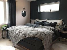 """1,015 likerklikk, 67 kommentarer – Natalie Giske Skrede (@ngs.funkis) på Instagram: """"➕Bedroom➕ Nytt soverom 🙋🏼♀️ Deco pink og Sophisticated blue på veggene 🌸 #bedroom #bedroomdecor…"""""""