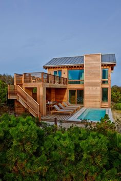 Island Retreat by Bromley Caldari Architects Rest House, House In The Woods, Best Tiny House, Small House Design, Home Design Plans, Maine House, Home Fashion, Exterior Design, Future House