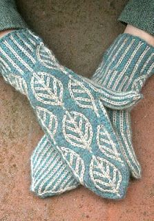 wintergreen mittens, designed by Kate Gilbert, knit by pointy pointy sticks