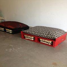 11 DIY Pallet Dog Bed Ideas   99 Pallets
