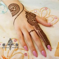 Mehndi designs are applied on hands and feet at imperative weddings and other occasions. Today, Mehndi is exceptionally prevalent in Eastern nations. Henna Hand Designs, Mehndi Designs Finger, Mehndi Designs For Girls, Mehndi Designs For Beginners, Mehndi Designs For Fingers, Best Mehndi Designs, Simple Mehndi Designs, Henna Tattoo Designs, Mehandi Designs