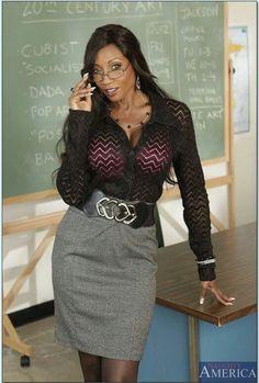 Diamond Jackson as the sexy teacher Black Girls, Diamond Jackson, Black Magic Woman, Confident Woman, Girls With Glasses, Ebony Women, Girl Fashion, Womens Fashion, Short Dresses