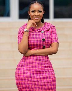 This Week Fashionista: Media Personality Serwaa Amihere Fashion Ruk - Corporate Styles Classy Work Outfits, Classy Dress, Casual Outfits, Fashion Outfits, Workwear Fashion, Fashion Blogs, Ladies Outfits, African Attire, African Wear