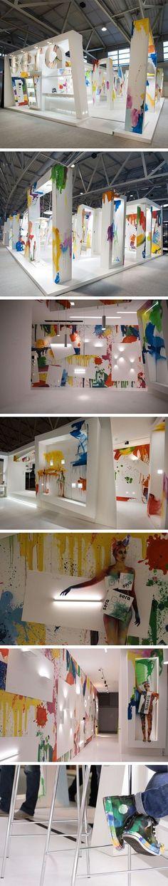 @ Stand de exposición Light + Building • Diseño del soporte: Xilos Estudio de Diseño • estructura del soporte: Xilos Temporal Arquitectura: