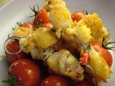 Spiedini di seppioline al pane aromatico con pomodorini al forno. http://www.alice.tv/ricette-cucina/antipasti-pesce/spiedini-seppie-pomodorini
