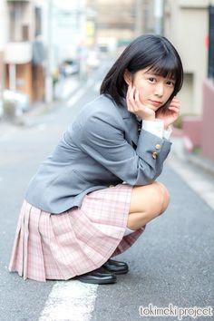 School Girl Japan, Japan Girl, Japanese School Uniform, School Uniform Girls, Girls Uniforms, Hot Girls, Cute Asian Girls, Schoolgirl Style, Poses References