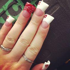 Love love love! I want duckbill nails sooo bad!