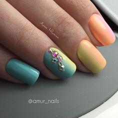 МАКРО  #luxio_engagement #luxio_cheerful #luxio_crush #luxio_delightful  ну и конечно же #swarovski  #ногтиворонеж #воронеж #vrn #ногти #nails #градиент #красивыеногти #маникюрворонеж #amur_nails_manicure #AnnaMurnina