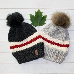 Child Canadiana Toque with Faux Fur Pompom Knitted Hats Kids, Knitting For Kids, Easy Knitting, Knitting Patterns Free, Crochet Patterns, Loom Knitting Scarf, Knit Hats, Knitting Ideas, Crochet Teddy Bear Pattern