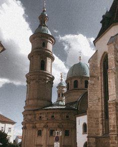 "Lena Luisa Fuchs on Instagram: ""Graz 🤍 . . . .  #mindfuleating #graz #iamhealthy #igersgraz #bloggingtips #bloggingals #empoweryourself #visitgraz #visitaustria…"" Visit Austria, Notre Dame, Taj Mahal, Travel, Instagram, Graz, Viajes, Trips, Tourism"