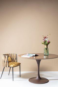 €678 | Invitation Set Walnut Rusty Ø120cm tafel, unieke en trendy tafel uit de meubel collectie van Kare Design. De eigenzinnige meubels van dit unieke woonmerk zijn echte blikvangers en geven karakter aan uw interieur! Afmeting: (hxbxd) 76x120x120 cm. Kare Design, Invitation Set, Dining Table, Furniture, Home Decor, Vintage, Products, Decoration Home, Room Decor