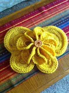Butter fly newborn butterfly w flower