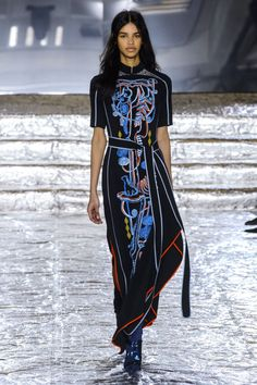 Peter Pilotto Fall 2016. See all the best runway looks from London Fashion Week here: