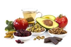 From avocados to yogurt, find out the 12 superfoods packed with healthy fats, vitamins and antioxidants that should be apart of your diet on Campbell's Kitchen. Quick Healthy Meals, Healthy Eating For Kids, Healthy Snacks, Healthy Recipes, Healthy Eyes, Healthy Living, Healthy Nutrition, Healthy Weight, Healthy Hair