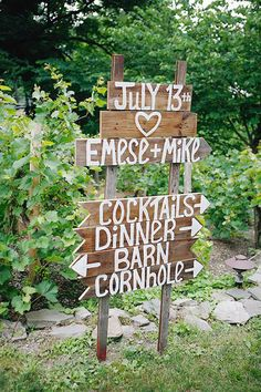 From hand-lettered chalkboard to playful prints, there's not much we love more than a good wedding sign. And whether we're talking rustic wedding signage or