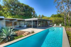 Richard Neutra's Troxell House (1956) in Pacific Palisades, CA, lets in sun and breeze.