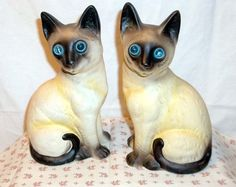 PAIR OF VINTAGE CERAMIC SIAMESE KITTY CAT FIGURINES