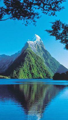 Milford Sound ......   NEW ZEALAND    .... www.facebook.com/loveswish
