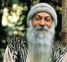 Osho u stromu Kundalini Meditation, Types Of Meditation, Meditation Techniques, Osho Love, Human Instincts, Shayari In Hindi, The Secret Book, Spiritual Awareness, Pranayama