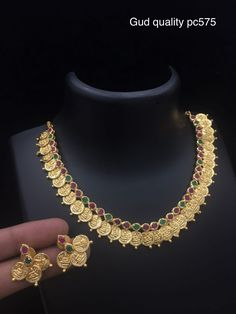 Are you looking for bridal jewellery on rent online? Get south Indian bridal jewellery sets for rent at TBG Bridal Store and look like a queen on your wedding day. South Indian Bridal Jewellery, Bridal Stores, Queen, On Your Wedding Day, Beaded Necklace, Fashion, Beaded Collar, Moda, Pearl Necklace