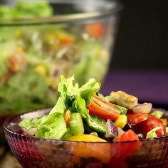 Mexikanischer Salat mit Avocado-Dressing Mexican salad with avocado dressing. Avocado Dressing, Salad Dressing Recipes, Chicken Salad Recipes, Easy Salads, Healthy Salads, Easy Meals, Healthy Recipes, Mexican Salads, Mexican Food Recipes