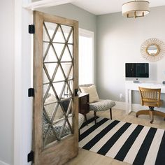 How beautiful is this door??? @designlovesdetail has the most beautiful office space! #saturdayinspiration #homedecor #homeswelove #vintagedecor #instadesignideas #interiordesign